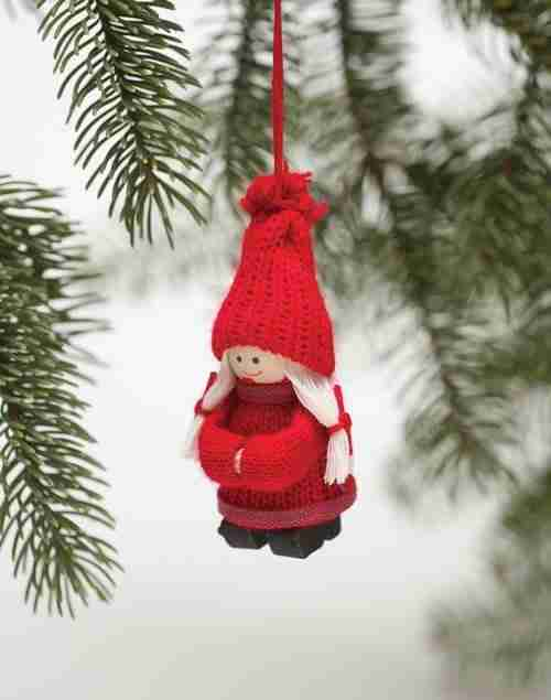 Tomte with ponytails